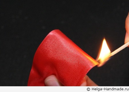 Как сделать цветок из атласной ленты своими