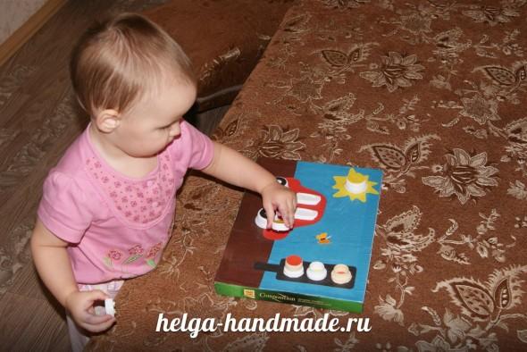 Развивашка для малышей из крышек
