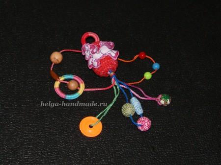 Вяжем развивающую игрушку своими руками
