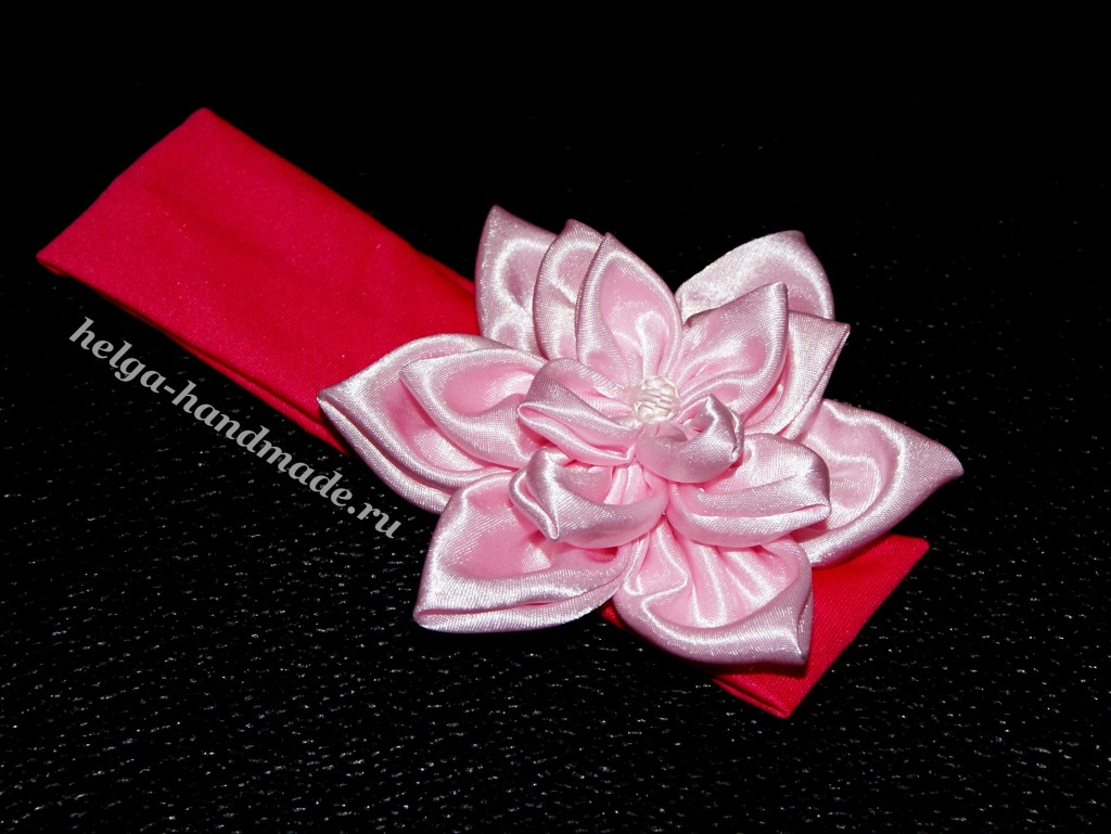 Цветы из ленты на платье