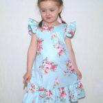 Летнее платье с оборкой/воланом и крылышками на плечах